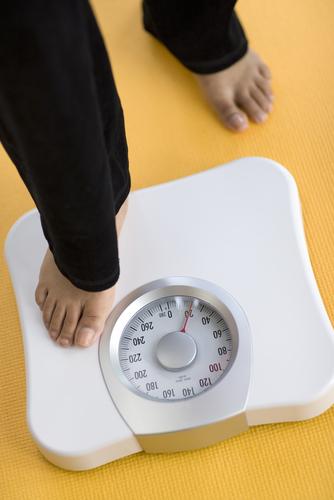 Механические напольные весы.