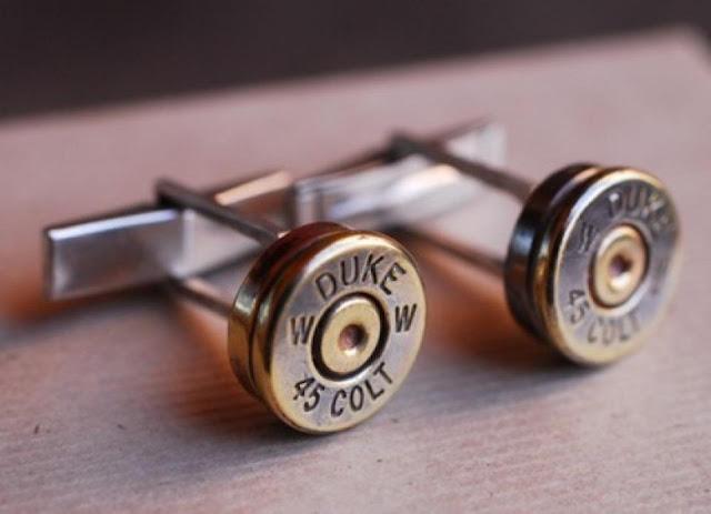 Запонки для любителей оружия.