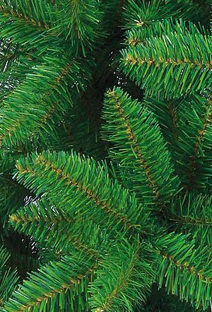 Самая популярная искусственная елка производится из ПВХ.