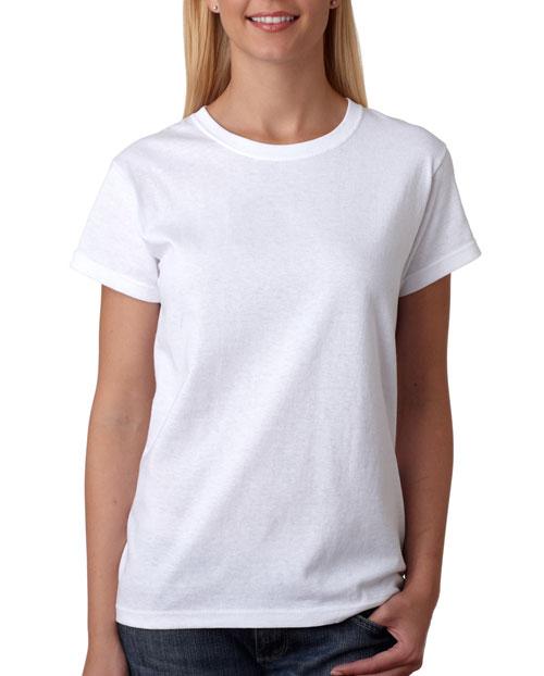 Классическая белая футболка должна быть у каждого.