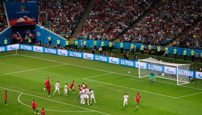 Третий гол Криштиану РОНАЛДУ в матче Португалия – Испания.