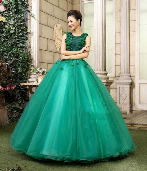 Зеленое свадебное платье.