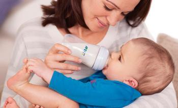 Как выбрать бутылочку и соску для новорожденного