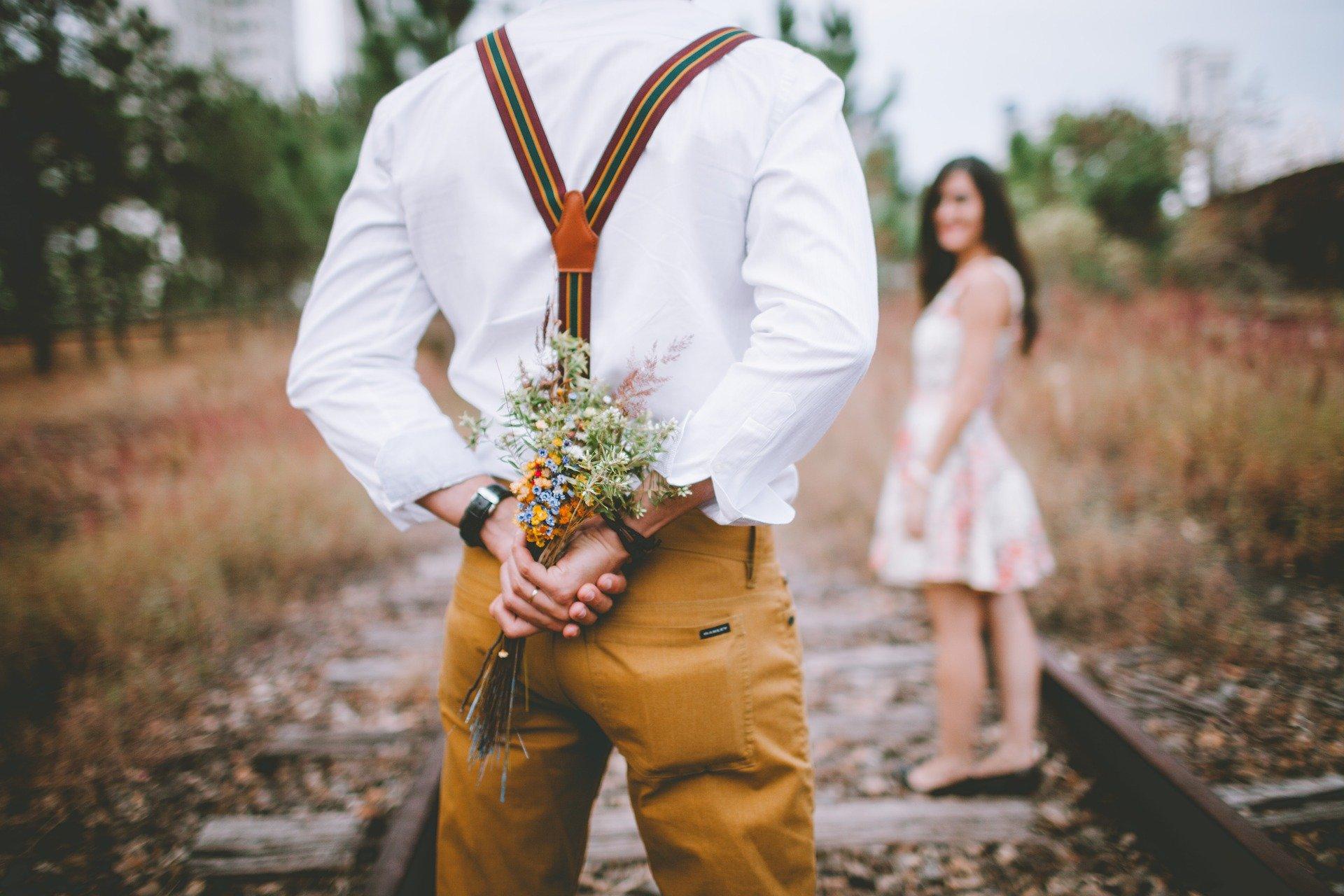 Лучше всего искать мужа на миллион через сайты знакомств!