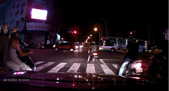 Пример фото с видеорегистратора DOD F900LS