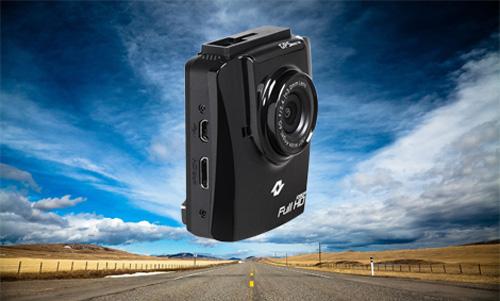 Автомобильные видеорегистраторы на декабрь 2013 года пополнились актуальной моделью Neoline Cubex V50. Его преимущество, это продвинутая система GPS/ГЛОНАСС, Full HD 1080p качество, аккумулятор на 470 мАч, база полицейских радаров и поворот камеры на 360 градусов. И это лишь некоторые позитивы этой уникальной модели декабря.