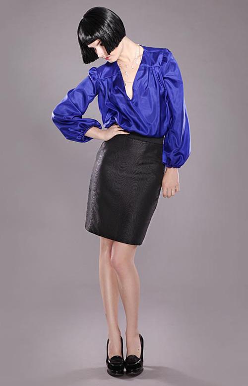 В офис - строгая и практичная блуза, на вечер - изысканная и дорогая.