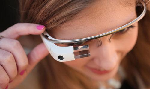 Умные очки - это будущее компьютерной техники и моды.