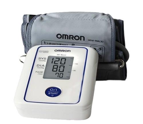 Автоматический прибор для измерения артериального давления Omron M2 Basic.