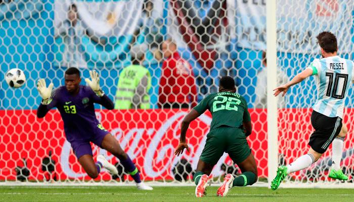 Первый гол Лионеля МЕССИ в матче Аргентина – Нигерия.
