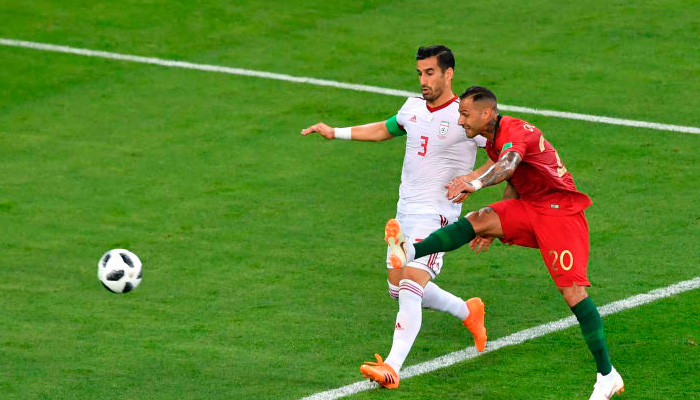 Первый гол Рикарда КУАРЕЖМА в матче Португалия – Иран.