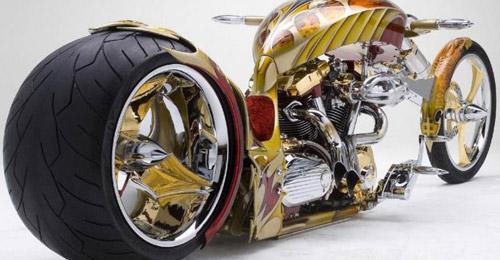 Фото мотоцикла из золота Yamaha Roadstar BMS.