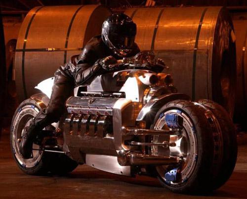 Фото. Самый быстрый мотоцикл Dodge Tomahawk.