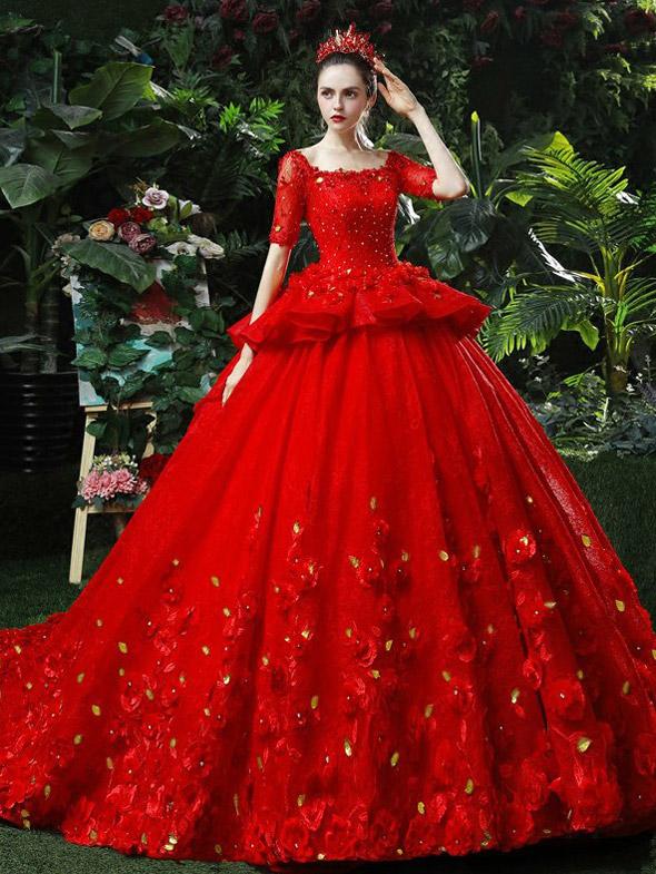 Красное свадебное платье.