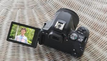 Canon EOS 250d - зеркальный фотоаппарат для начинающих фотографов